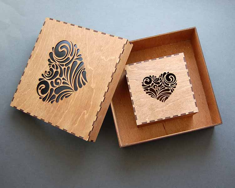 """Деревянная коробка """"Сердце резное"""""""